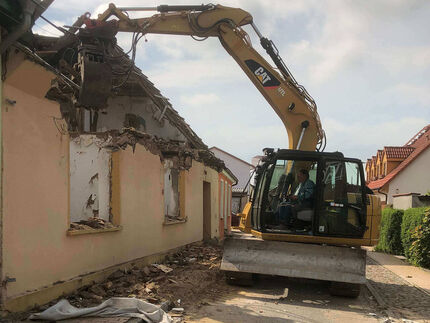 Kontrollierter Abbruch eines ehemaligen Wohnhauses in Grimmen, Nordpromenade