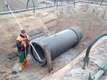 Verlegung einer Regenwassersammelleitung DN 800 in den Fischlandwiesen bei Wustrow